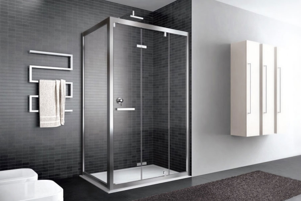 Pavimenti, rivestimenti, rubinetteria, vasche, box boccia, termo arredi e sanitari